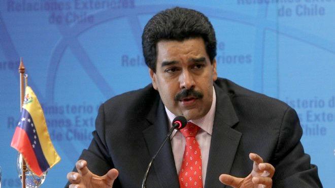 الرئيس الفنزويلي يأجل إلغاء العملة الورقية من فئة 100بولفار