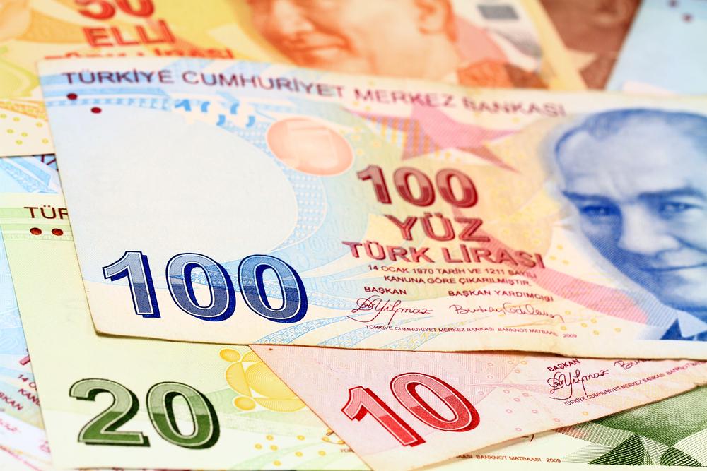 انخفاض الليرة يعرض الاقتصاد التركي لتحديات عديدة