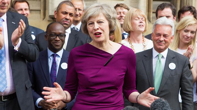 رئيسة الوزراء البريطانية تصرح بأن حزبها لا ينوي رفع الضرائب بعد الانتخابات