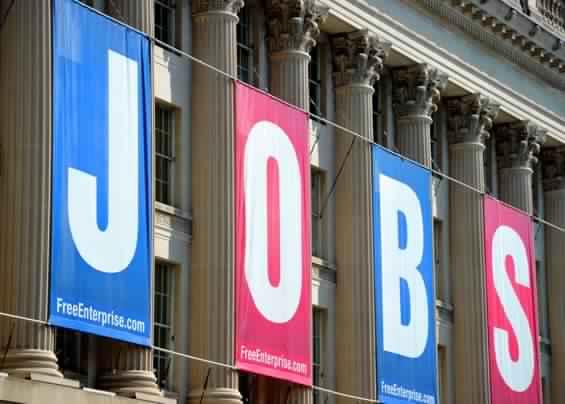 القطاع الأمريكي الخاص يعلن اضافة  275 ألف وظيفة خلال أبريل