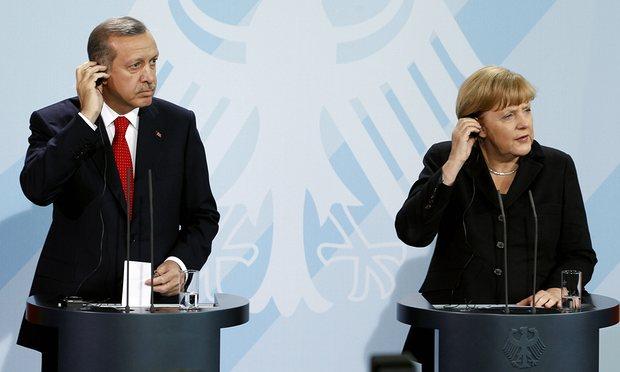 أنجيلا ميركل تمنع أردوغان من دخول ألمانيا بسبب حبس الصحفي دونيز يوجيل