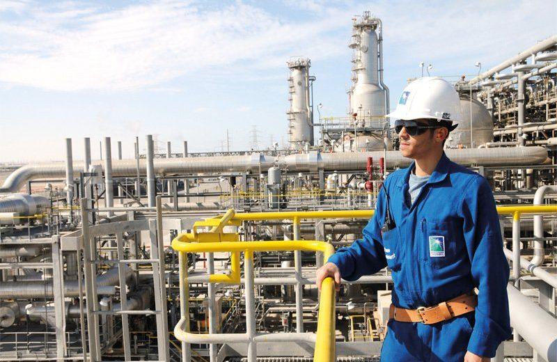 أرامكو السعودية تعتزم عقد صفقة تجارية مع شركة نوفاتك الروسية
