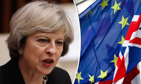 تريزا ماي تعتزم تشكيل حكومة ائتلافية جديدة لضمان نجاح محادثات البريكست