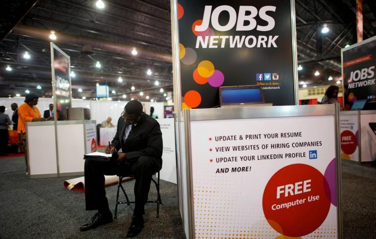 الاقتصاد الأمريكي يضيف 136000 وظيفة في سبتمبر مع تراجع معدل البطالة إلى 3.5٪