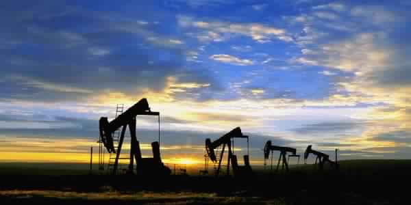 النفط ينخفض قليلا وسط عمليات جني الأرباح لكنه يحافظ على أغلب مكاسبه