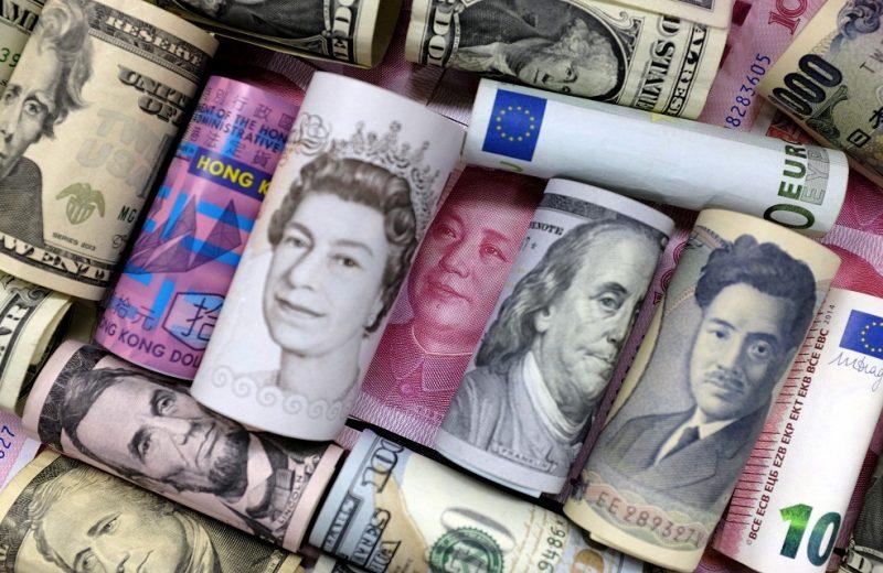 الاسترليني يعود للإنتعاش بعد بيانات النمو الاقتصادي البريطاني