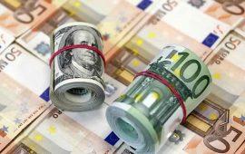 اليورو يتعافى من خساره وسط هبوط الدولار وتقلص المخاوف بشأن الموازنة الإيطالية