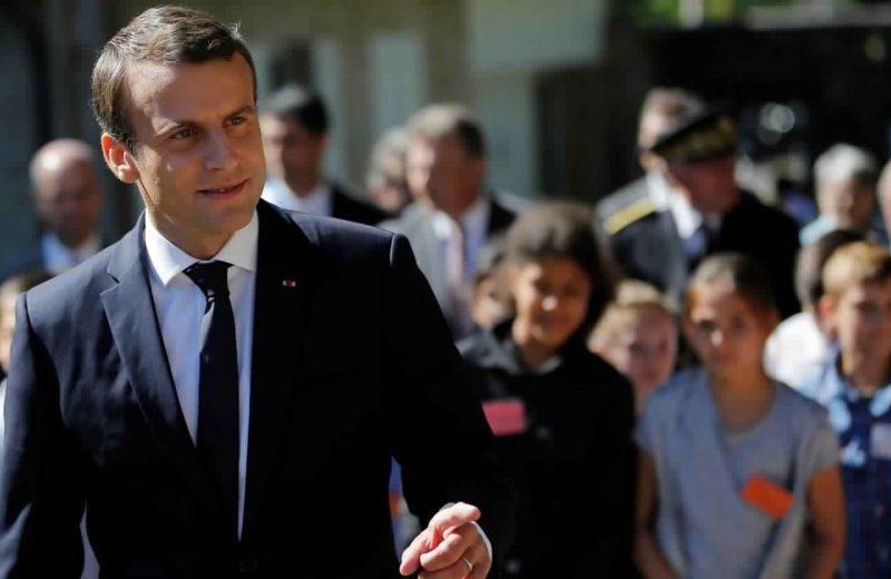 حزب ماكرون يتصدر الجولة الأولى من الانتخابات البرلمانية في فرنسا