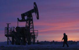 أسعار النفط تواصل صعودها بدعم من إلتزام السعودية بخفض الإنتاج