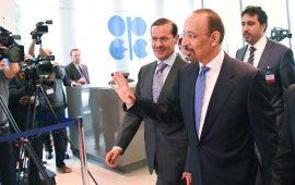 خالد الفالح يؤكد انخفاض مخزونات النفط العالمية لكن ليس بقدر كافي