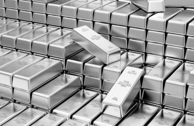 البلاتينيوم يتراجع دون 1000 دولار وسط توقعات بارتفاع المعروض العالمي