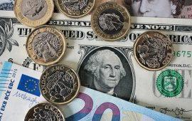 الدولار يواصل تراجعه مقابل العملات الرئيسية وسط ترقب تطورات خطة الإنفاق الأمريكية