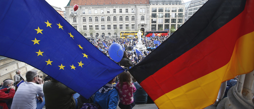 اليورو دولار يتراجع مع تجدد المخاوف بشأن التوقعات الاقتصادية الألمانية