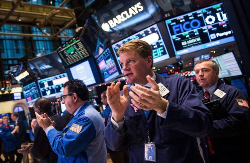 مؤشر داوجونز وستاندرد آند بورز 500 يرتفعان نحو مستويات قياسية