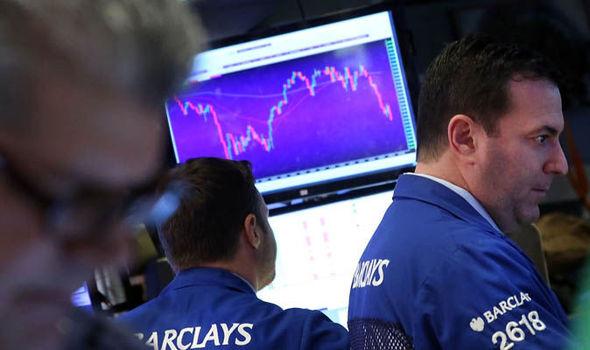 الأسهم الأمريكية تتحول للهبوط مع خسائر قطاع التكنولوجيا بسبب استمرار التوترات التجارية