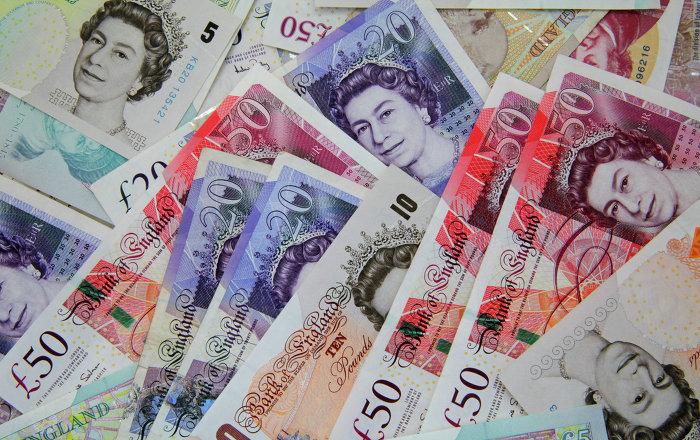 الاسترليني يرتفع فوق 1.42 دولار وسط تفاؤل بشأن مفاوضات البريكست وتكهنات رفع الفائدة البريطانية