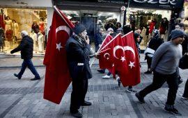 الليرة التركية تهبط بأكثر من 7% مقابل الدولار بعد ارتفاع قياسي للبطالة في تركيا