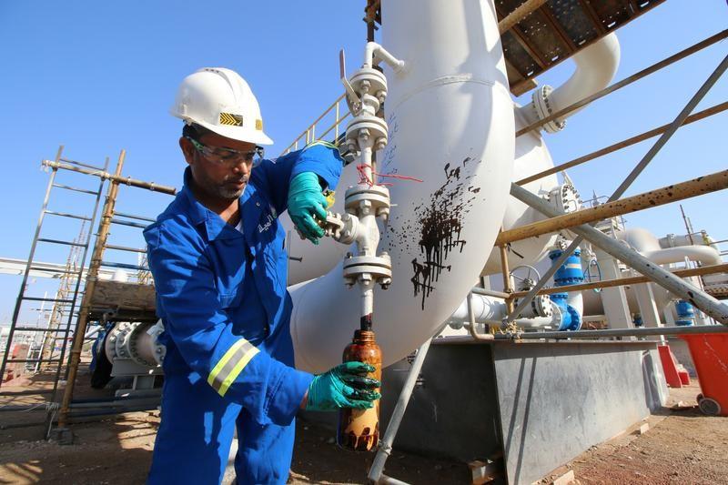 حادث الناقلتين في خليج عمان يدفع خام برنت للصعود أكثر من 3%