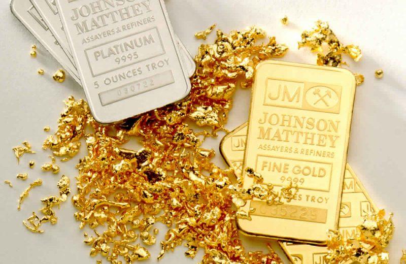 الذهب يرتفع قليلا مع اقتراب الموعد النهائي للتعريفة الأمريكية