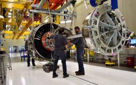 النشاط الصناعي الأمريكي ينخفض عند أدنى مستوى في عام إلى 57.4 نقطة في مارس