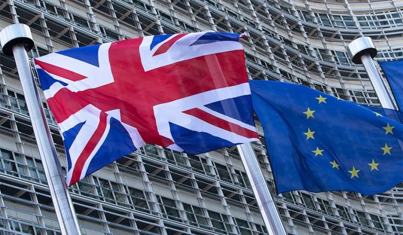 رئيس المفوضية الأوروبية يطالب بريطانيا بإيجاد حلول عملية لما بعد البريكست