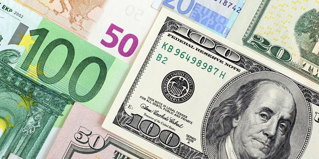 الدولار يحافظ على مكاسبه وسط إشارات بتشديد السياسة النقدية من الفيدرالي الأمريكي