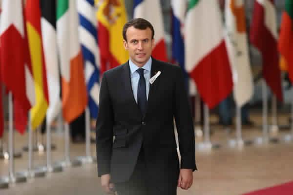 شعبية الرئيس الفرنسي ماكرون تنخفض لأدنى مستوياتها بسبب إحتجاجات الفرنسيين على منظومة الإصلاح