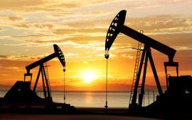 أسعار النفط تتراجع مع مخاوف من زيادة المعروض