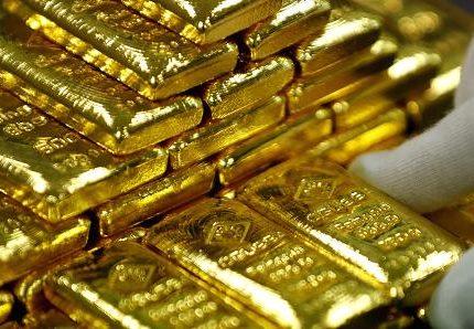 الذهب يهبط من أعلى مستوياته في أسبوعين مع جني الأرباح