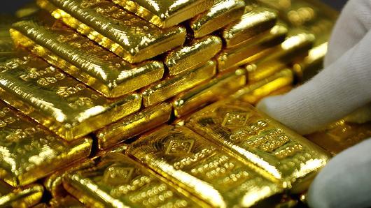 المعدن الأصفر يفقد بريقه مع تعافي الدولار