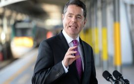 آبل تتوصل إلى إتفاق بشأن سداد ضرائب متأخرة بقيمة 13 مليار يورو إلى الحكومة الأيرلندية