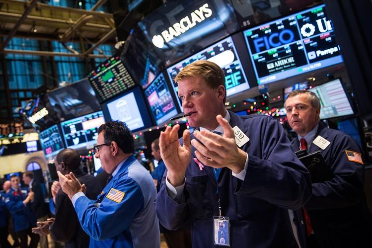 الأسهم الأمريكية تفتتح مرتفعة وسط انتعاش قطاع الطاقة والتكنولوجيا
