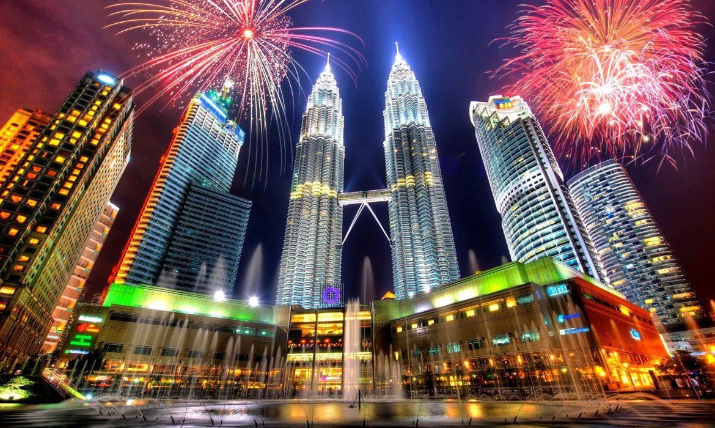 رئيس وزراء ماليزيا يتعهد بإلغاء ضرائب السلع والخدمات بداية من يونيو المقبل
