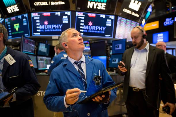 الأسهم الأمريكية ترتفع قليلا في حين يتطلع المستثمرون إلى تأثيرات المخاوف التجارية