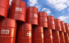 أسعار النفط تتجه لتحقيق أكبر ارتفاع أسبوعي منذ يناير