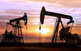 أسعار النفط تنخفض إثر ارتفاع مخزونات النفط الأمريكية