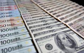 الدولار الأمريكي يرتفع إلى أعلى مستوى في أكثر من عام  ويدفع اليورو للهبوط دون مستوى 1.14 دولار