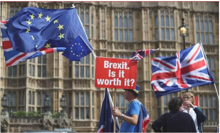 أزمة البريكست تتواصل مع اسقالة وزير بريطاني ودعوته لاستفتاء جديد