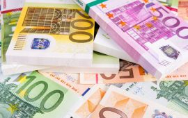 اليورو يواصل مكاسبه مقابل الدولار في انتظار محضر إجتماع البنك المركزي الأوروبي