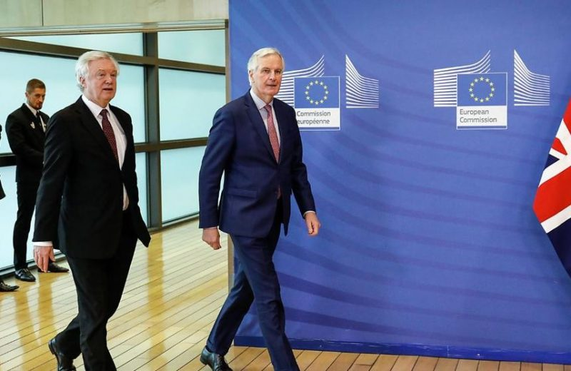 بارنييه يؤكد عدم ترشحه لمنصب رئيس المفوضية الأوروبية وتركيزه فقط على مفاوضات البريكست