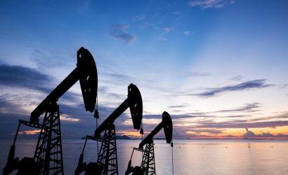 ارتفاع المخزونات الأمريكية يدعم هبوط أسعار النفط اليوم