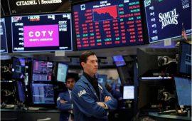 داوجونز يفقد 100 نقطة مع بداية التعاملات وسط استمرار المخاوف من ارتفاع عائدات السندات الأمريكية
