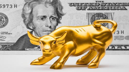 أسعار الذهب اليوم تتعافى من خسائرها بدعم من هبوط الدولار