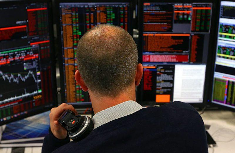 الأسهم الأوروبية تتراجع بعد خفض توقعات نمو الاقتصاد الأوروبي