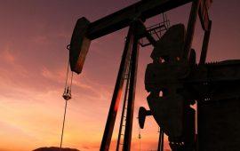أسعار النفط اليوم تتراجع من أعلى مستوى في 2019