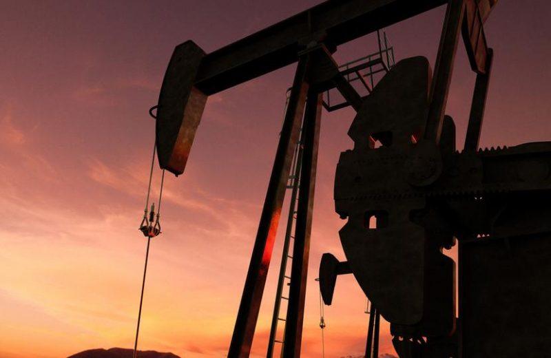 النفط الخام يعزز مكاسبه وسط هبوط الدولار