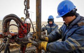مخزونات النفط الأمريكية ترتفع بنحو 8.8 مليون برميل خلال الأسبوع الماضي