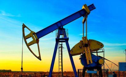 خام برنت يقفز فوق 62 دولار بعد هبوط مفاجئ في مخزونات النفط الأميركية