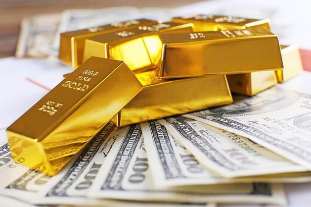 أسعار الذهب اليوم تنخفض مقابل صعود الدولار