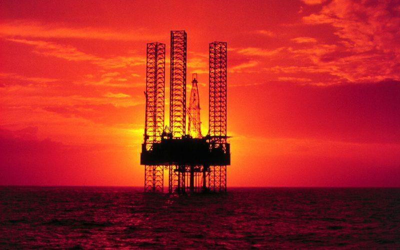 أسعار النفط قد تسجل أسوأ خسائر فصلية في 4 أعوام…فما هو مصيرها مع بداية عام 2019؟